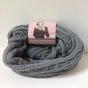 NWT Serra Cable Knit Gray Infinity Scarf